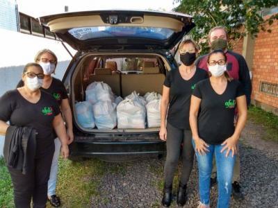 Vitrine do Bem: doados 200 quilos de alimentos à Assistência Social