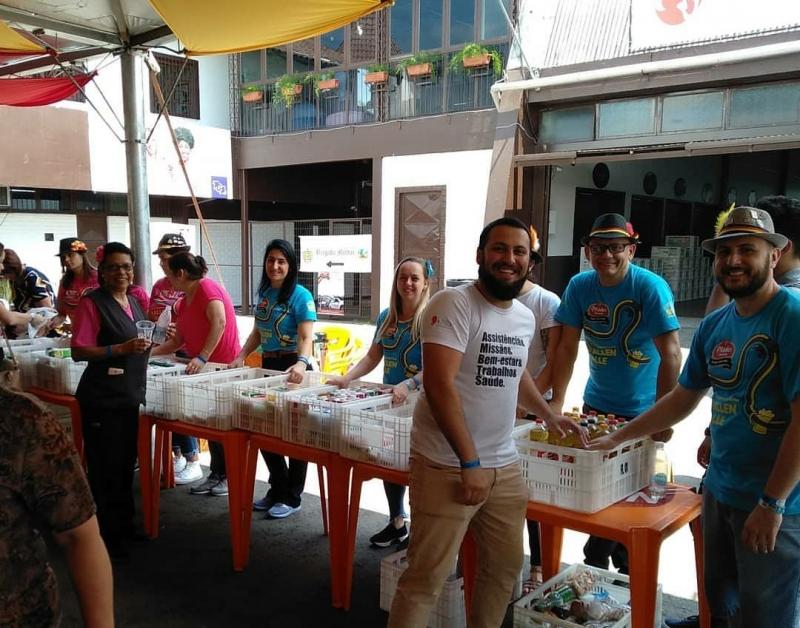 Seniorentag arrecada mais de 5 toneladas  de alimentos ao Hospital Bom Pastor