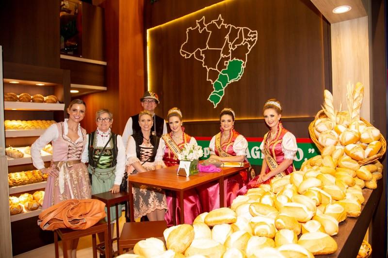 Expoagas recebe comitiva da Oktoberfest de Igrejinha