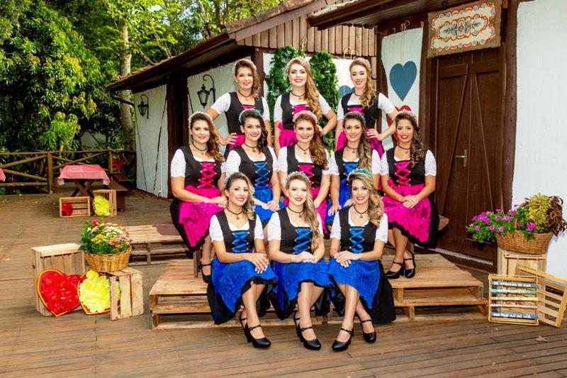 Candidatas a soberanas da Oktoberfest de Igrejinha anunciam doação de sangue