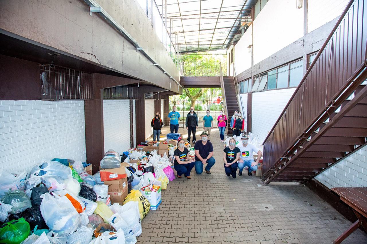 Oktoberfest entrega doações e recebe mais donativos  em nova etapa da Grande Ação