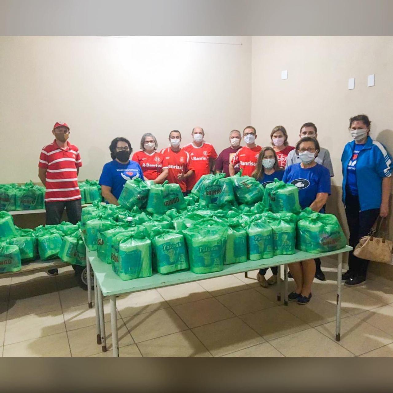 Vitrine do Bem: Consulado Colorado doa kits de limpeza e cestas para comunidades religiosas