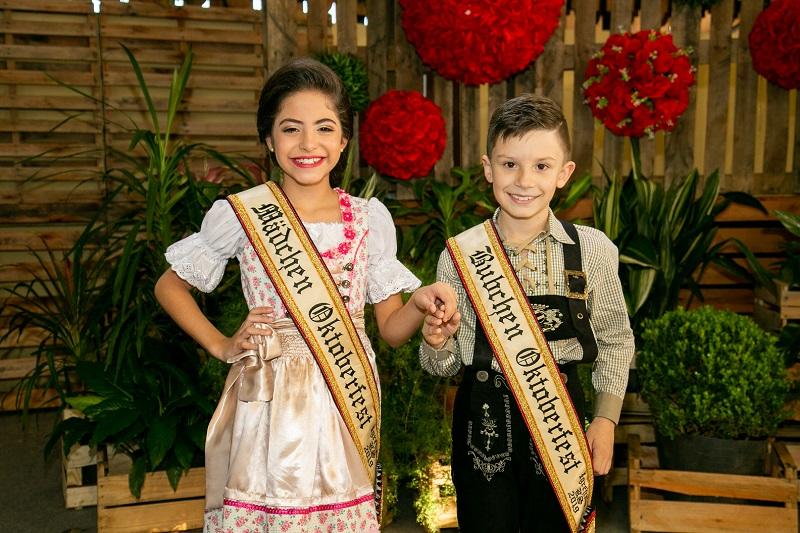Oktober de Igrejinha incentiva preservação da cultura germânica com escolha do Bubchen e Mädchen