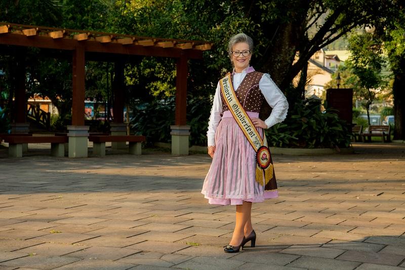 Seniorin tem seu traje oficial apresentado