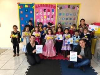 SOCIALIZAÇÃO: Sicredi ensina sobre educação financeira para crianças da Escola Oficina do Saber