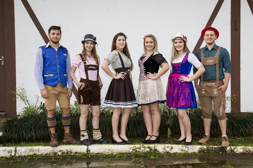 Novidade no uso do traje típico na Oktoberfest de Igrejinha