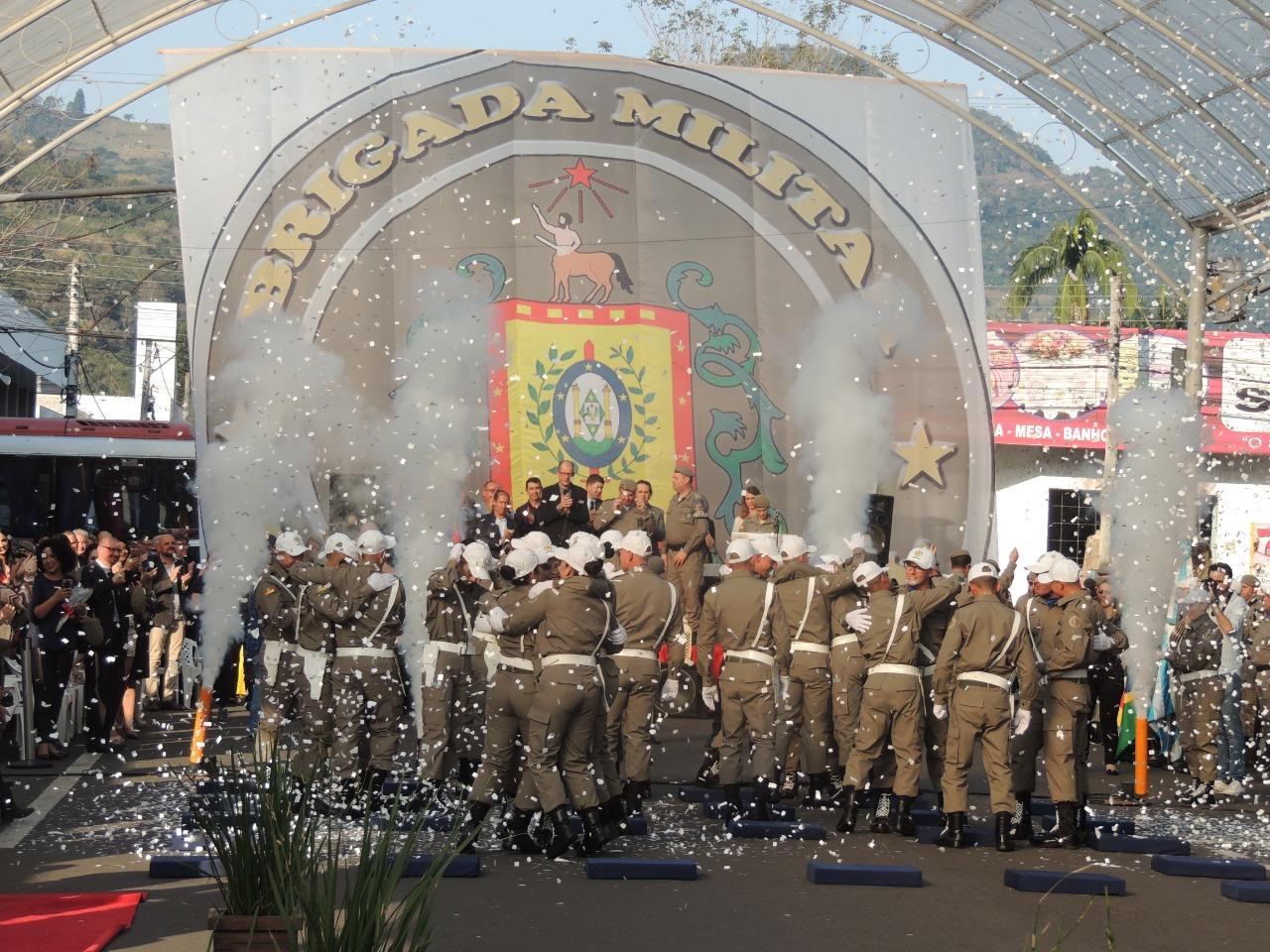 Oktoberfest de Igrejinha apoia segurança com auxílio em curso de formação de soldados
