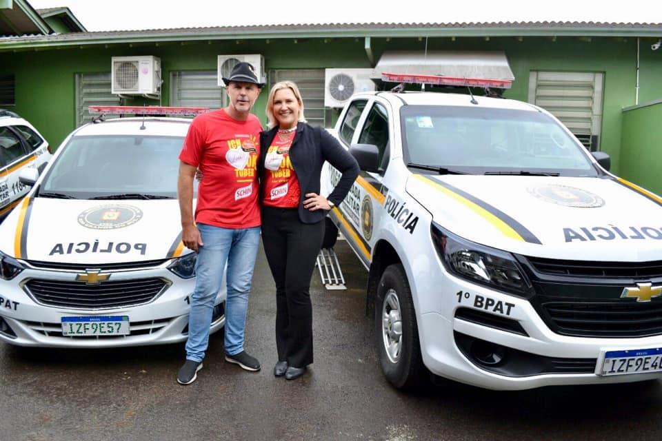 Oktoberfest entrega duas novas viaturas à Brigada Militar